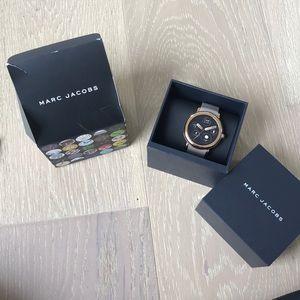 Marc Jacobs Touchscreen Smartwatch